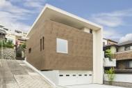 傾斜地に建つ家のイメージ1