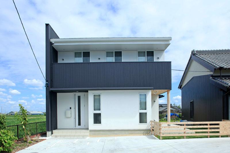 田園に建つ家