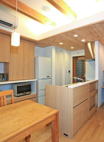 自由なデザインのオリジナルキッチンのイメージ