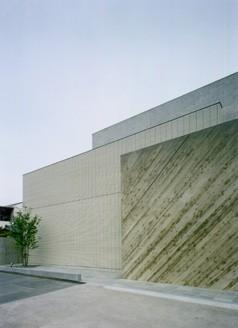 重ねコンクリート壁の家