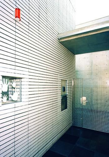 オリジナルの門扉と表札のイメージ