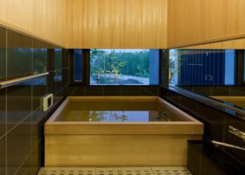 ご来光を浴びながら檜風呂を楽しむのイメージ