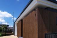 木板塀の家のイメージ2