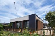木板塀の家のイメージ4