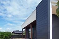 木板塀の家のイメージ6