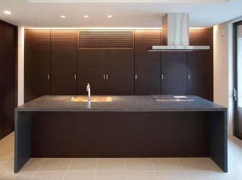 内観デザインに馴染むオリジナルキッチンのイメージ